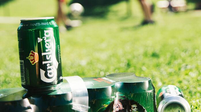 Carlsberg on mukana niin kotimaisilla kuin ulkomaisillakin jalkapallokentillä.