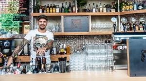 Nicklas Belfrage, Sedu's Bar