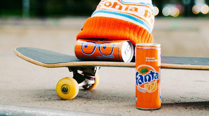 Fanta on nuorten suosima appelsiinivirvoitusjuoma.
